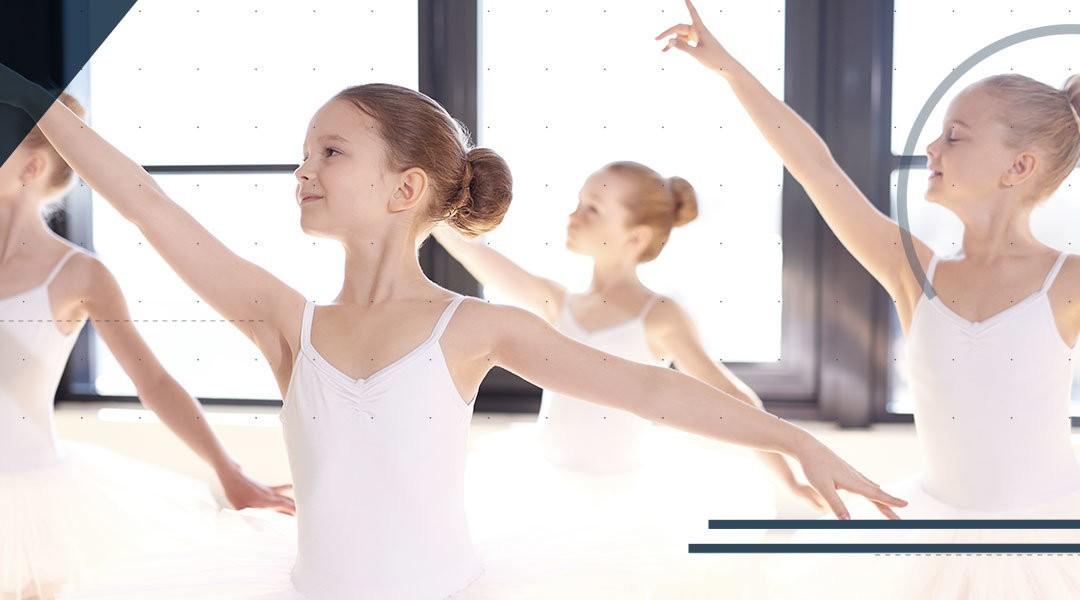 Il piede e la caviglia dei bambini che praticano la danza