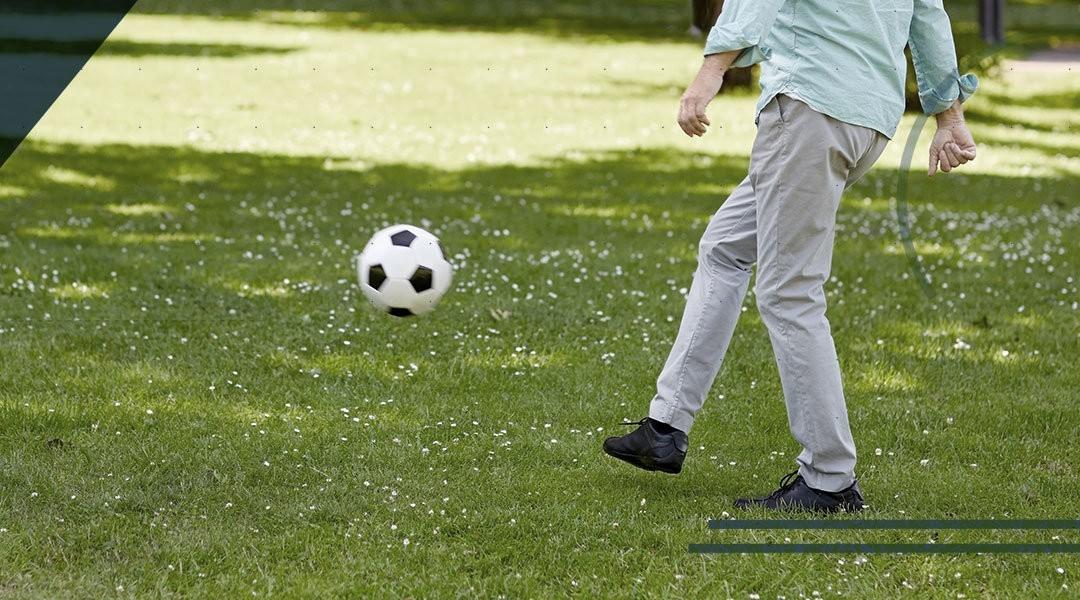 Calcio a 50 anni, quali rischi per le caviglie?