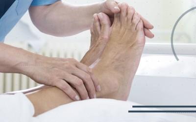 Distorsione di caviglia: scacco matto al dolore in 4 mosse