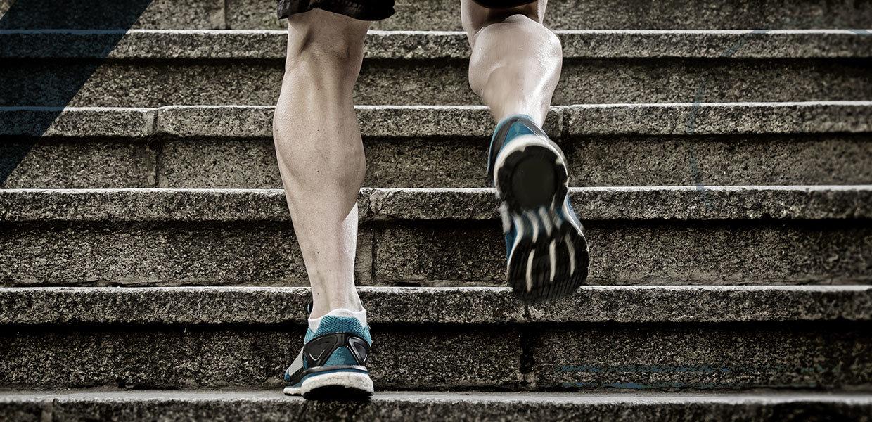 scalinata-corsa-post-operatorio-protesi-caviglia-min